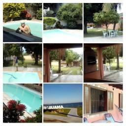 Casa com piscina e churrasqueira na região dos lagos