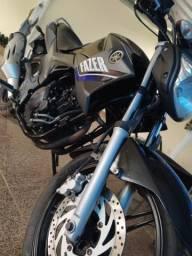 Moto Yamaha Fazer 250 - 2016