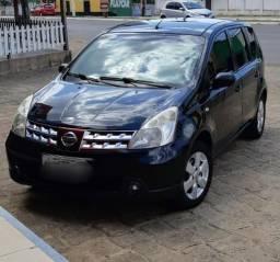 """Nissan Livina Automático """"Extra"""" - 2011"""