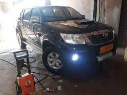 Toyota Hilux SRV 4x4 D-4D Automática - 2012