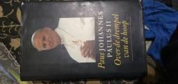 Livro em alemão sobre o papa João Paulo II