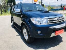 Toyota Hilux SW4 SRV Turbo Diesel 4X4 7 lugares 10/10 - 2010