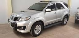 Toyota SW4 2013 automática 7 lugares diesel