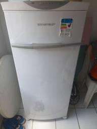Freezer vertical Brastemp modelo:BVG24 Frost Free. 197 L.
