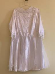 Vestido curto branco cetim com renda
