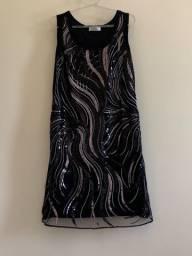 Vestido curto preto com pedras