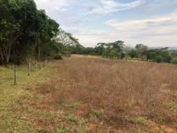 Aluga-se terreno de 1/2 alqueire (24.000) metros próximo a Goianapolis
