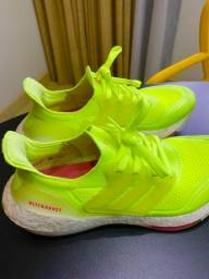 Tenis Ultraboost 21 - semi-novo