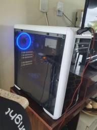PC gamer, com mouse e teclado mecânico (novo).