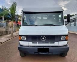 Título do anúncio: Caminhão carroceria Mercedes benz 710