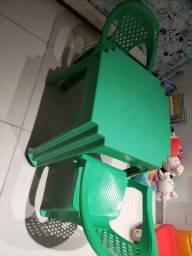 Título do anúncio: Kit mesa infantil verde