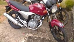 Vendo uma moto esporte toda top