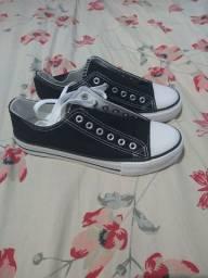 Título do anúncio: Sapatos kuang yu preto e branco
