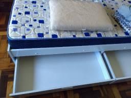 Cama de solteiro com colchão, usados