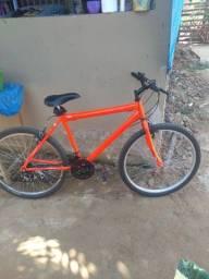 Vendo uma essa bicicleta novinha 400 reais com nota fiscal , ou troco  pelo um cll