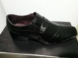 Vendo sapatos social cor preta (novo)