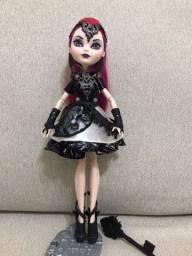 Título do anúncio: Boneca Rainha Má Ever After High Jogo Dragões