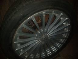 Título do anúncio: Vendo ou troco rodas 18 4furos por outras 5 furos