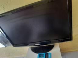 Título do anúncio: Vendo tela monitor Samsung 24 polegadas