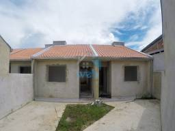 Excelentes casas em pequeno condomínio no Bairro Tatuquara, com dois quartos, sala, cozinh