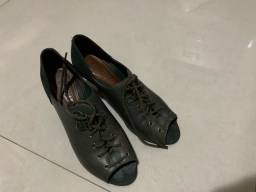 Vende-se calçados