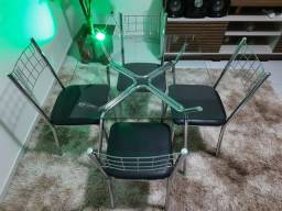 Mesa nova 04 Cadeiras e tempo em vidro