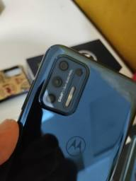 Moto G9 Plus , 128 gigas, 4 GB de RAM , camera 64 mp.