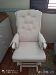 Cadeira de Balanço para Amamentação