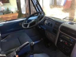 Caminhão Volks 5-140 - Único dono, revisado e pouquíssimo rodado - 2011