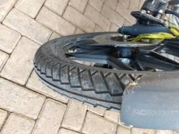 Rodas e pneus cb 400 Honda