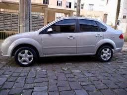 Fiesta Sedan 1.6 com entrada de apenas 5,200 - 2008
