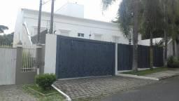 Magnífica residência Junto ao Portal de Santa Felicidade, com vista para o parque Barigui
