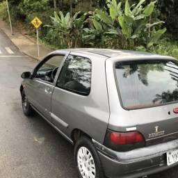 Clio 97 com ar - 1997
