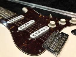Guitarra Stratocaster Fender c/ captadores Malagoli
