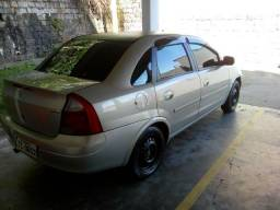 Corsa Sedan Premium 2005 - 2005