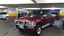 Toyota Hilux 97/97 Diesel 4x4 Raridade 97 mil km rodados em Ipanema - 1997