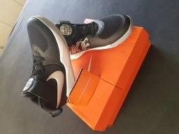 Nike hustle infantil novo
