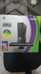 Xbox 360, completo, bi volt, na caixa