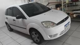 Ford Fiesta 2005 branco 1.0 4 portas - 2005
