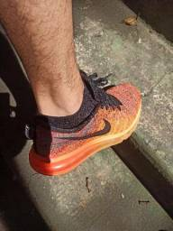 Tenis Nike Air MAX flyknit, 39 vs Mizuno corrida
