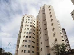 Oportunidade! Amplo apartamento semimobiliado no Papicu!