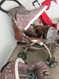 Carrinho de bebê Chico+ bebê conforto com base Chico + brinde carrinho de passeio Chicco