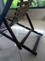 Espreguiçadeira em madeira