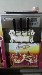Máquina de sorvete expresso faz sorvete e açaí