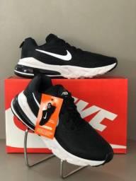 Nike react 270