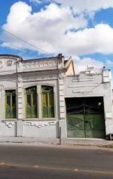 Vende-se casa no centro de Alagoinhas