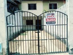 Linda casa duplex com 02 quartos 01 banheiro 02 vagas toda gradeada e forrada