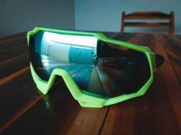 Óculos esportivos