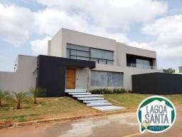 Título do anúncio: Casa com 4 dormitórios à venda, 420 m² por R$ 2.490.000,00 - Condomínio Encanto da Lagoa -