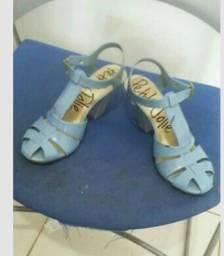 Sandálias. Desapego